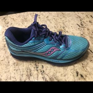 Saucony Guide 9 running shoes size 7.5